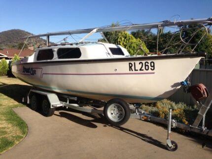 RL24 Trailer Sailer