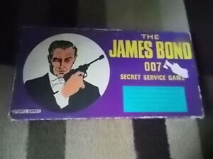 1966 JAMES BOND 007 GAME (NEAR COMPLETE)