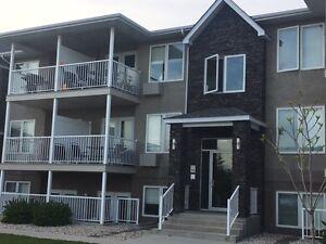 OPEN HOUSE SUNDAY 2-4!Mitchell Condo- Quick commute to Winnipeg!