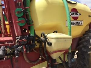 2005 Hardi Commander Plus 1200 Pull Type Sprayer London Ontario image 5