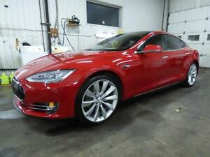 2013 TESLA MODEL S PERFORMANCE P85 (TOIT, PANO, NAVI, FULL!!!)