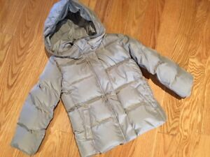 very warm GAP down fill jacket  for girl, size S(6/7)