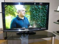 "Panasonic TXL32S10B 32"" FULL HD 1080P LCD TV. SECOND HAND, 6 MONTHS PARTS & LABOUR WARRANTY."