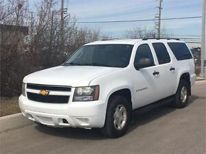 2008 Chevrolet Suburban LS **ACCIDENT FREE** FINANCING AVAILABLE
