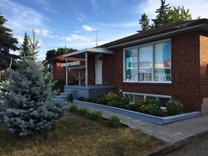 Basement Apartment - near McCowan Station and Scarborough Town
