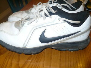 Nike Men's Size 8 Golf Shoes