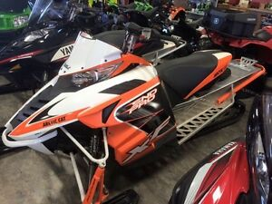 2014 Arctic Cat XF7000 Sno-Pro ES 141 - BLOWOUT-Priced to Clear!