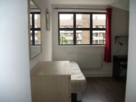Amazing twin room in Hoxton,with en suit,available now for£260pw,all the bills included+Free Wifi