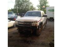 2005 Chevrolet Silverado 2500 4x4 with Service box