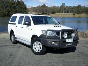 2012 Toyota Hilux KUN26R MY12 SR (4x4) White 4 Speed Automatic Dual Cab Pick-up Belconnen Belconnen Area Preview
