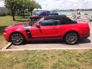 2010 mustang gt convertible Windsor Region Ontario image 3
