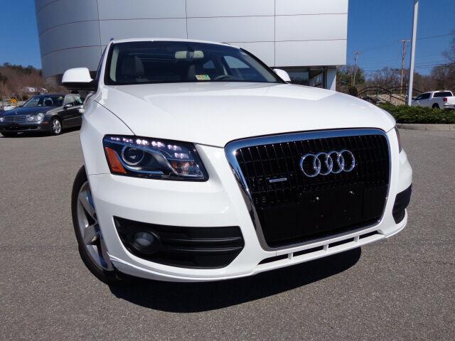 Audi : Q5 3.2 quattro 2010 Audi Q5 3.2L Quattro Premium Plus Package Pano Roof GPS Nav Heated Seats