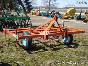 Turnco Saber Chisel plow