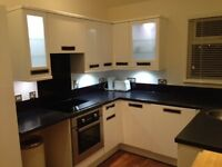 EXCELLENT REFURBISHED STUDIO APARTMENT - FREE INTERNET - FEW MILES FROM CITY CENTRE