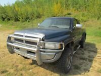 1997 Dodge Power Ram 1500 ST 4x4 Extended Cab 138.7 in. WB