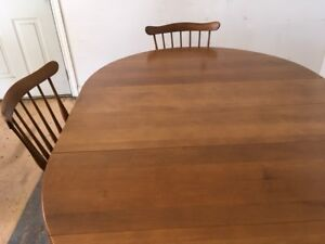 Vilas maple dining table and 4 chairs - very good condition.
