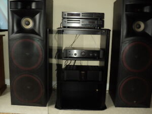 stereo system in mint shape