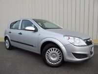 Vauxhall Astra Life 16v, 5 Door, a Nice Long MOT and Excellent Stamped Service History, Super Value