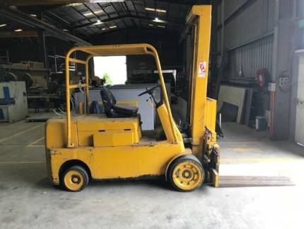 HYSTER S100A FORKLIFT for SALE