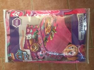 NEW Paw Patrol Girl Twin Comforter never been opened or used