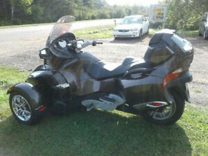 for sale . 2012 can am spyder r.t limited