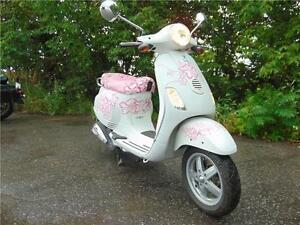 VESPA LX 50 SCOOTER ( FLOWER POWER ) ALEX BERTHIAUME-LAVAL