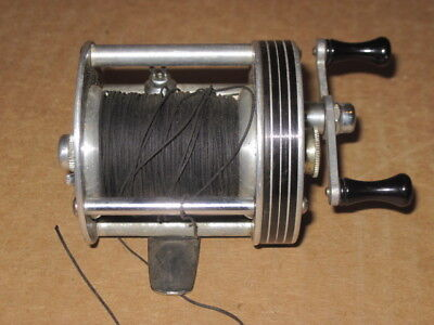 A VINTAGE FISHING REEL LANGLEY STREAMLINE 310 KC COLLECTIBLE LURE TACKLE BAIT