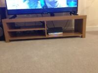 TV stand plus coffee table in good condition