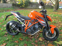 KTM 1290 SUPERDUKE MOTORCYCLE