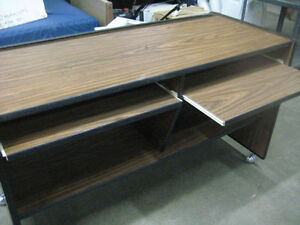 Desk on Wheels with 2 Places Kitchener / Waterloo Kitchener Area image 2