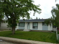 2.5+ Bed, 2 Bath House with Detatched Heated Double Garage