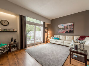 Beautiful 2BDRM townhouse centrally located in Valleyview