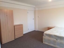 Double Room to rent No deposit.(Bisexual, gay or straight)