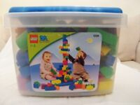 AGE 1-3 LEGO QUATRO 5358. 100 PIECES IN ORIGINAL STORAGE BOX & LID. DISCONTINUED? SO HARD TO FIND.