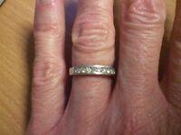 18ct white gold diamond band, size I/J