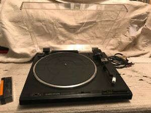 PIONEER MODEL PL-570 FULL AUTOMATIC STEREO TURNTABLE