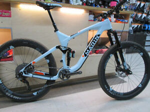 Marin Mount Vision Pro 2016 XTR Carbone comme neuf