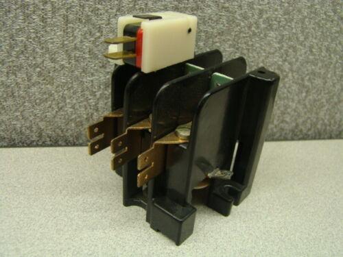 Gould Telemecanique 2210DPJ30EA-5 Contactor, 600VAC