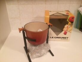 Le Creuset fondue - never been used still in box!