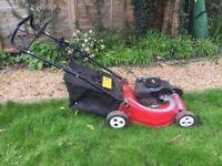 Mountfield self-propelled petrol lawn mower (46 cm)