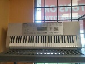 CLAVIER CASIO COMME NEUF A SEULEMENT 99.95$$