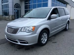 2012 Chrysler Town & Country Touring | Navi | Rear Cam | Sunroof