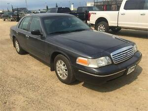 2004 Ford Crown Victoria LX w/Very Low Km's!
