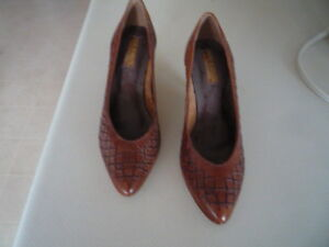 "Beautiful Brazilian Crafted Leather Pumps 3 ½ "" Heels"