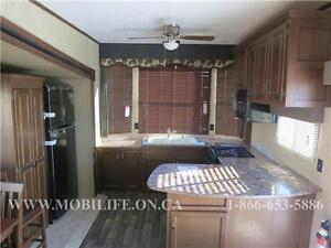 **HUGE FRONT KITCHEN**COUPLES PARK MODEL FOR SALE **CLEARANCE** Kitchener / Waterloo Kitchener Area image 3