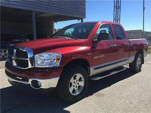 2007 Dodge Ram 1500 SLT 5.7 HEMI - LOW LOW 121 km ONLY