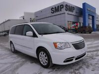 2015 Chrysler Town & Country Touring V6, dual DVD entertainment