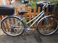 Claude Butler Ladies Bike. 17 inch 21 speed. Excellant condition. Complete with back box.