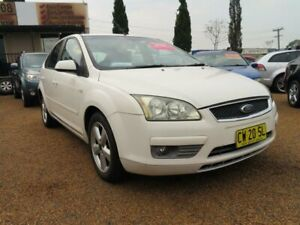 2006 Ford Focus LS LX White 4 Speed Sports Automatic Hatchback