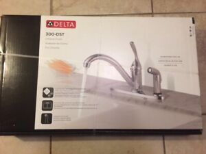 Brand New! Delta Kitchen Faucet with Side Spray in Chrome